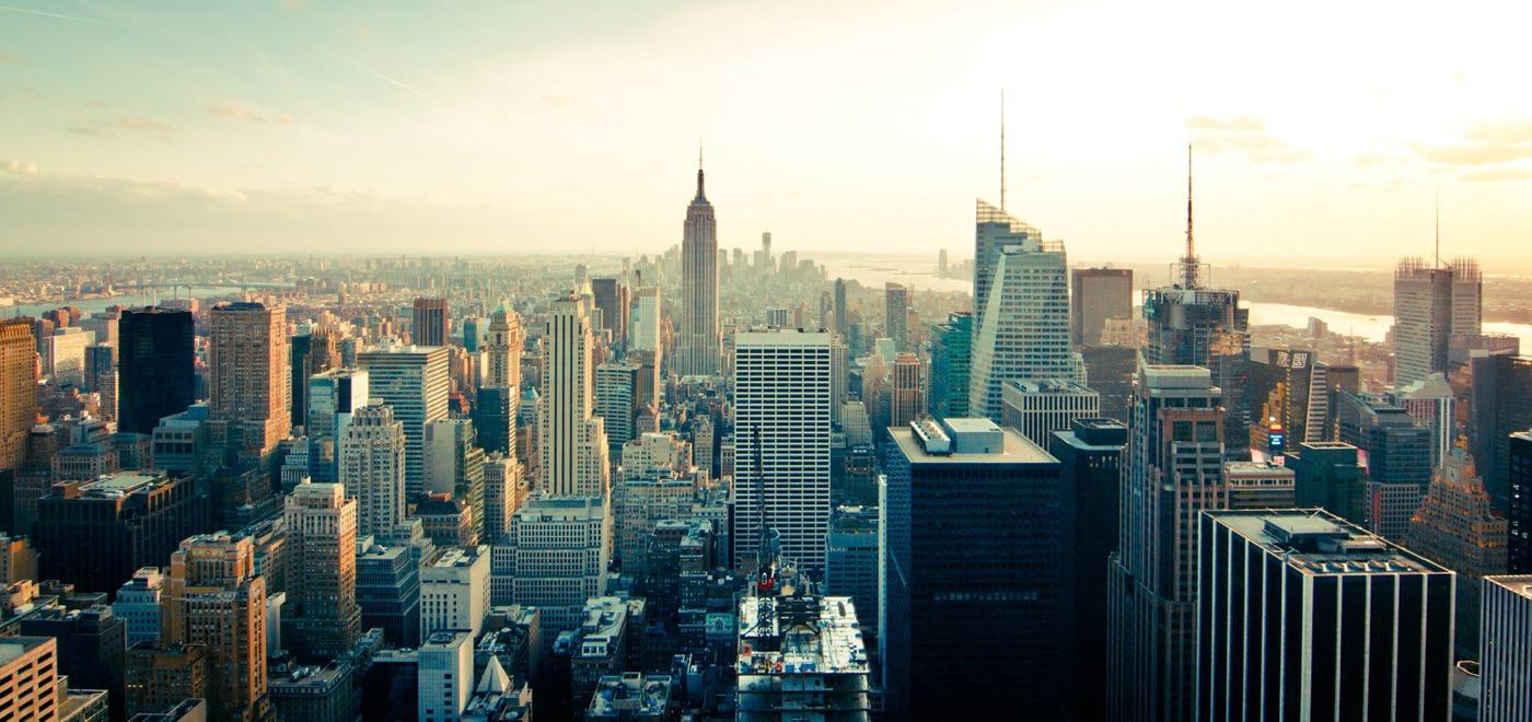 Què cal saber abans de viatjar a Nova York ?Per als que no residim als Estats Units, moltes vegades, la primera visita a Nova York acostuma a coincidir amb el nostre primer viatge als Estats Units. Òbviament quan prepares un viatge d'aquestes característiques sempre has de dedicar un temps a preparar la logística del viatge
