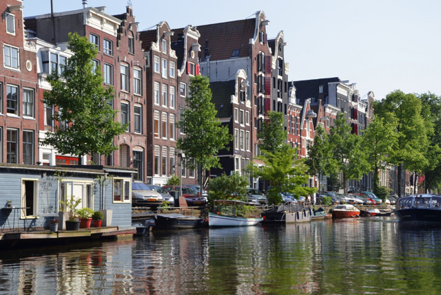 compare hotel prices in downtown Amsterdam